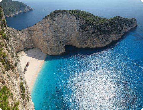 navagio beach grecia