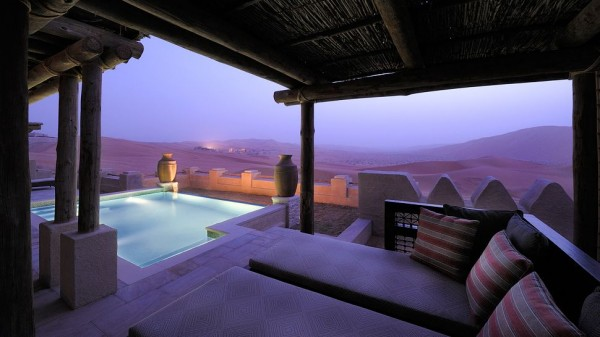 piscina del Qasr Al Sarab Desert Resort by Anantara (Abou Dabi