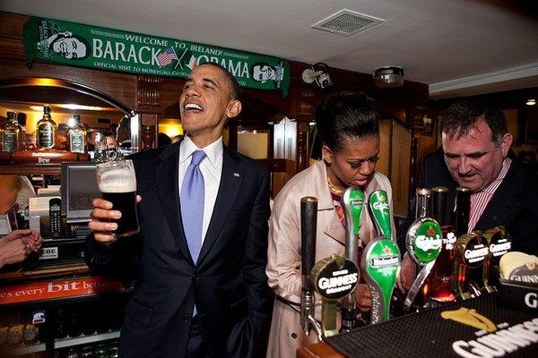 obama beve birra