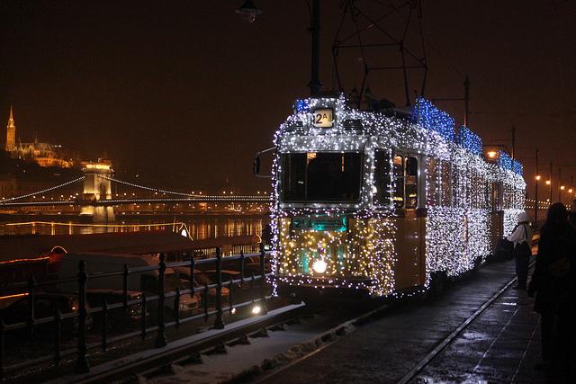 tram-noel-budapest