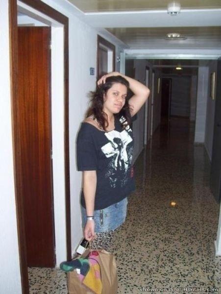 donna con calze tigrate