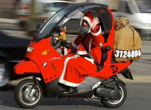 Top 10 delle cose che fa Babbo Natale nel resto dell'anno
