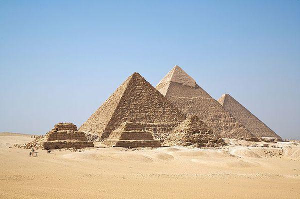 all_Gizah_Piramidi